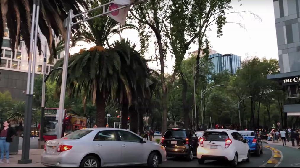 Paseo_en_la_ciudad_de_M__xico.mp4