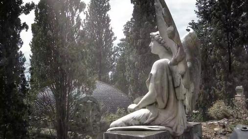 Statue in the sunshine