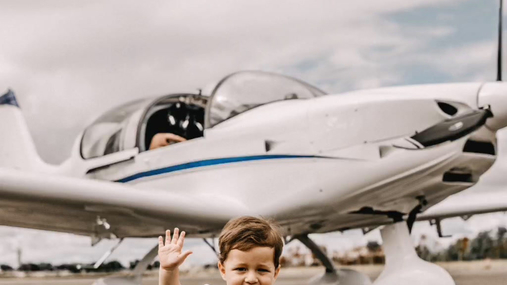 Toddler and airplanes