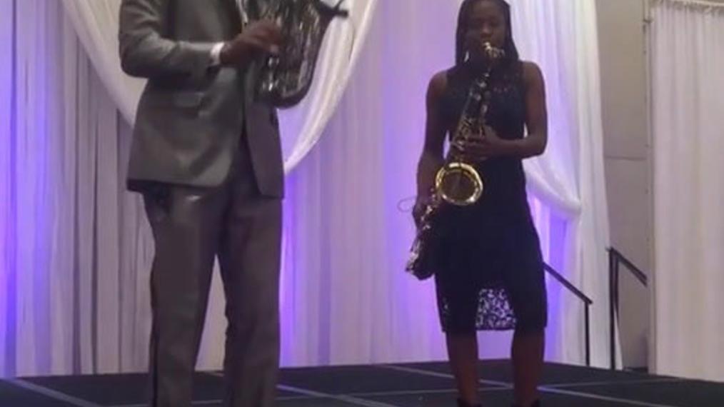 Saxophonist M.B. & J.G..mp4