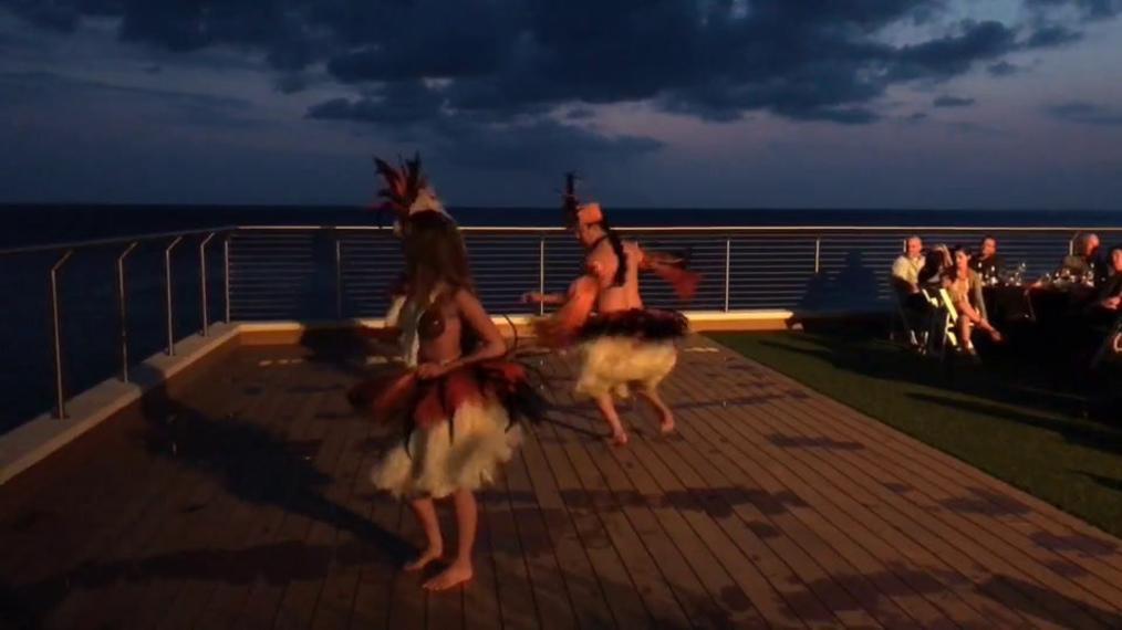Hawaiian Dancers N.P..mp4