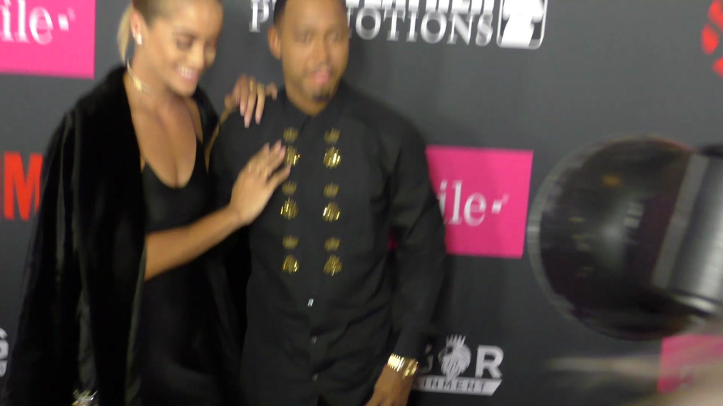 Terrence J and Jasmine Sanders arriving to the VIP Pre-Fight Party Arrivals on the T-Mobile Magenta Carpet For 'Mayweather VS McGregor at TMobile Arena in Las Vegas.mp4