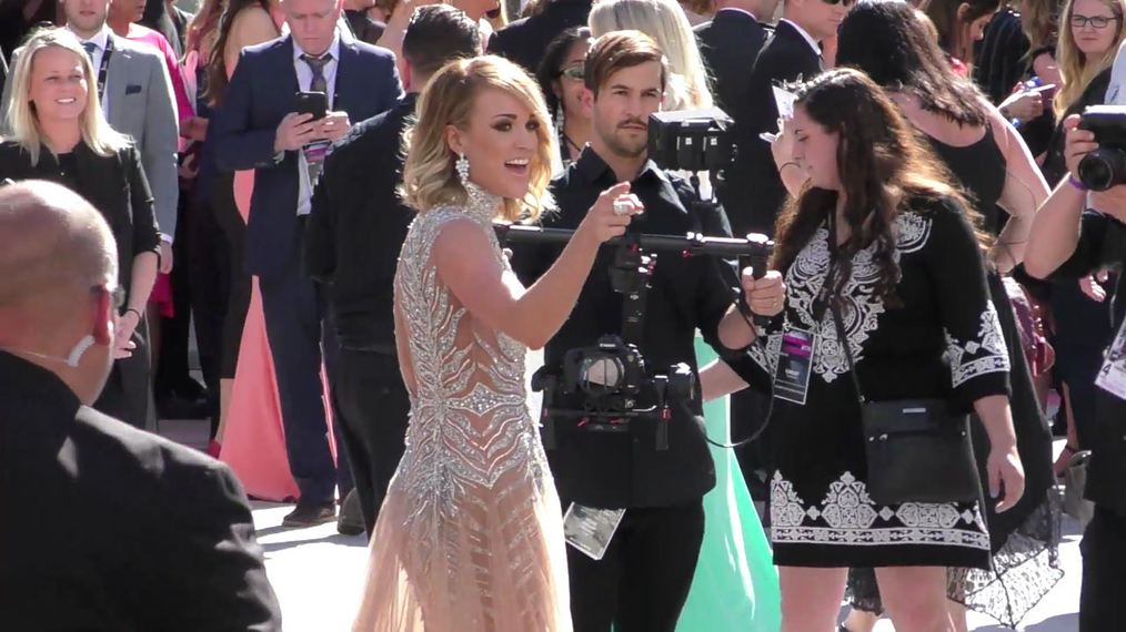 Carrie Underwood arriving to the 52nd Academy Of Country Music Awards at T-Mobile Arena in Las Vegas.mp4