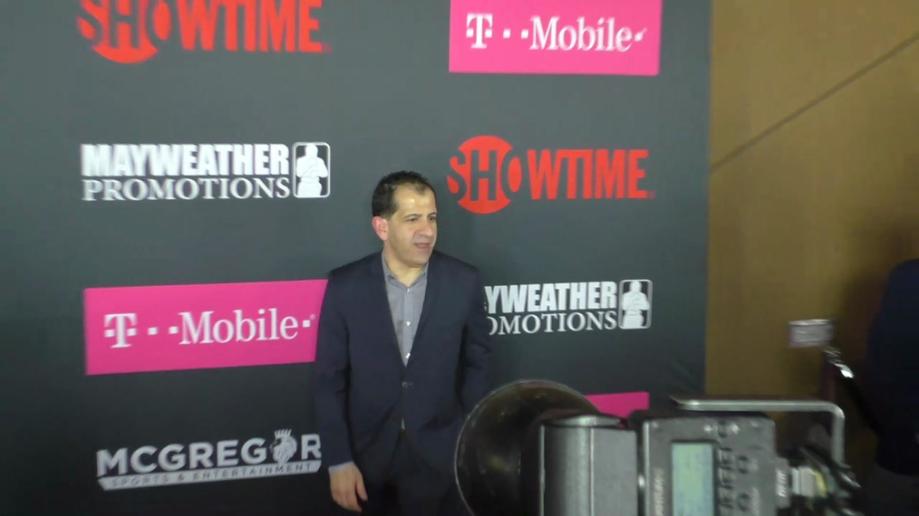 Stephen Espinoza arriving to the VIP Pre-Fight Party Arrivals on the T-Mobile Magenta Carpet For 'Mayweather VS McGregor at TMobile Arena in Las Vegas.mp4