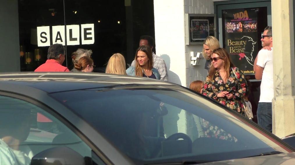 Jessica Alba, Cash Warren and Harold Perrineau leave Dance Studio in Hollywood.mp4