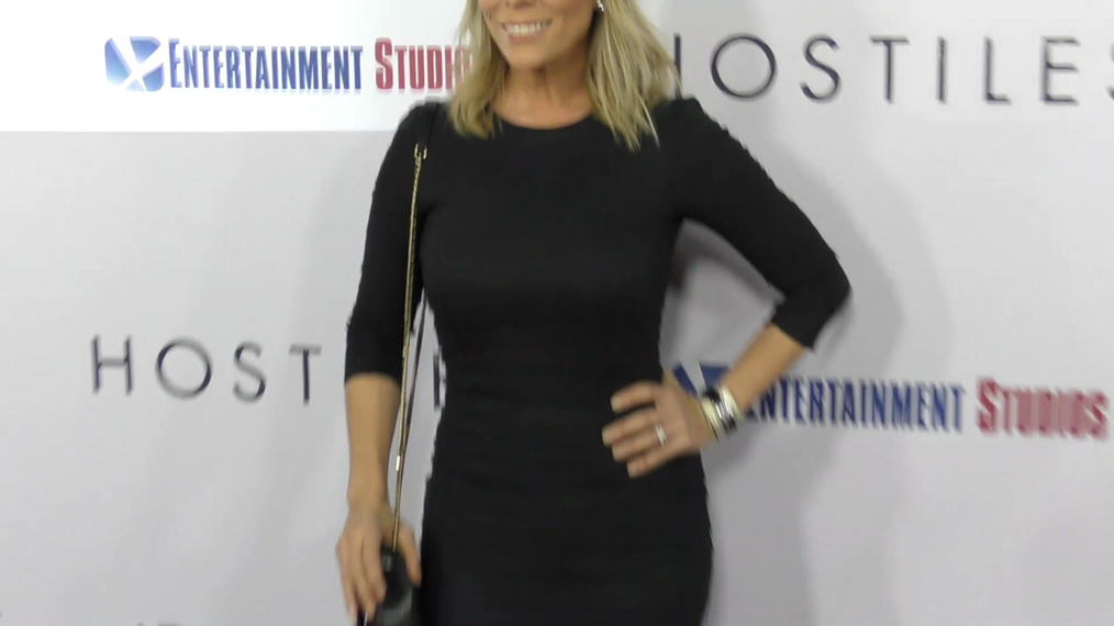 Cheryl Hines at the Hostiles Premiere at Samuel Goldwyn Theater in Beverly Hills.mp4