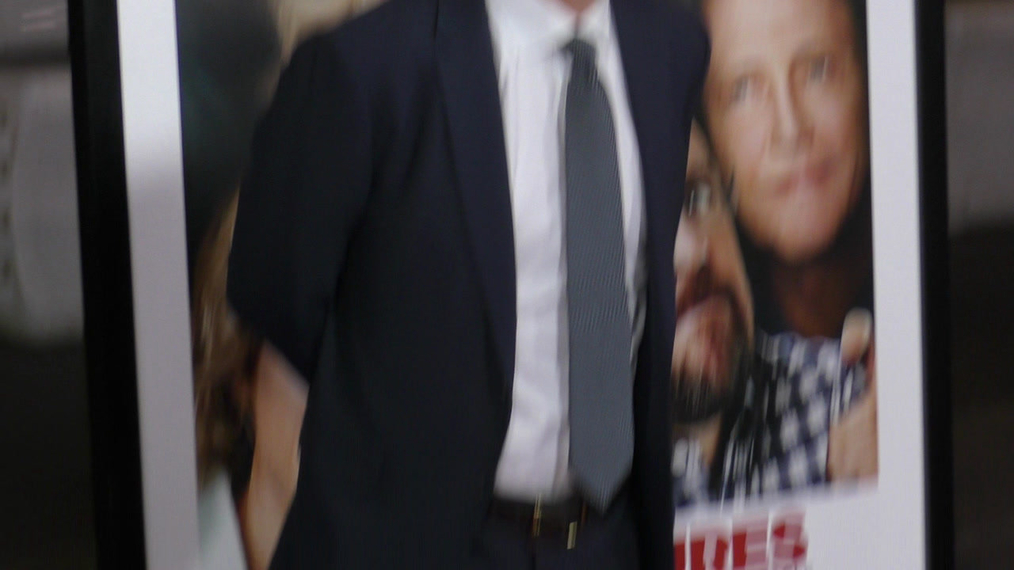 Owen Wilson at the premiere of Father Figures at TCL Chinese Theatre in Hollywood.mp4