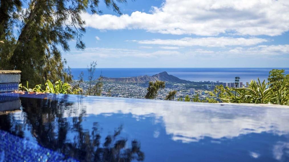Stunning Estate in Honolulu, Hawaii