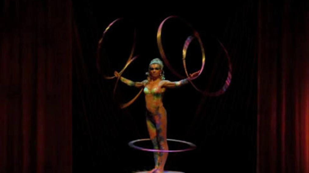 Cirque Hula Hoops.mp4